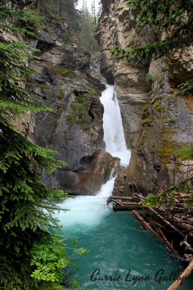 Waterfall - w sign