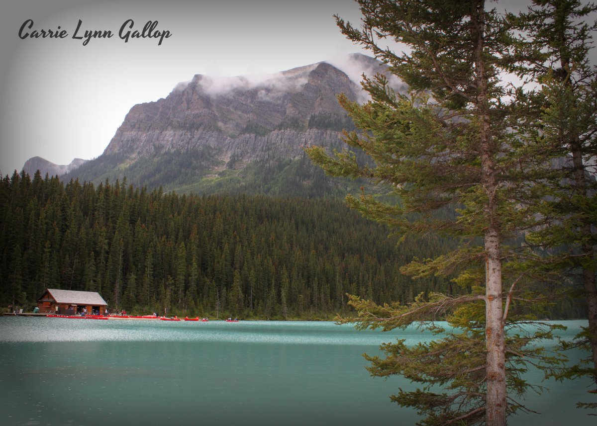 My photography canoe cabin on lake louise carriegallop for Lakes in bc with cabins